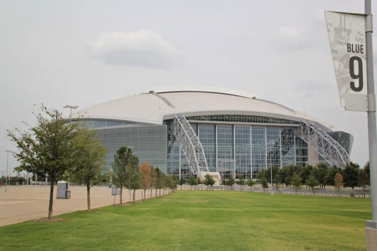 Arlington ISD switches graduation to AT&T Stadium