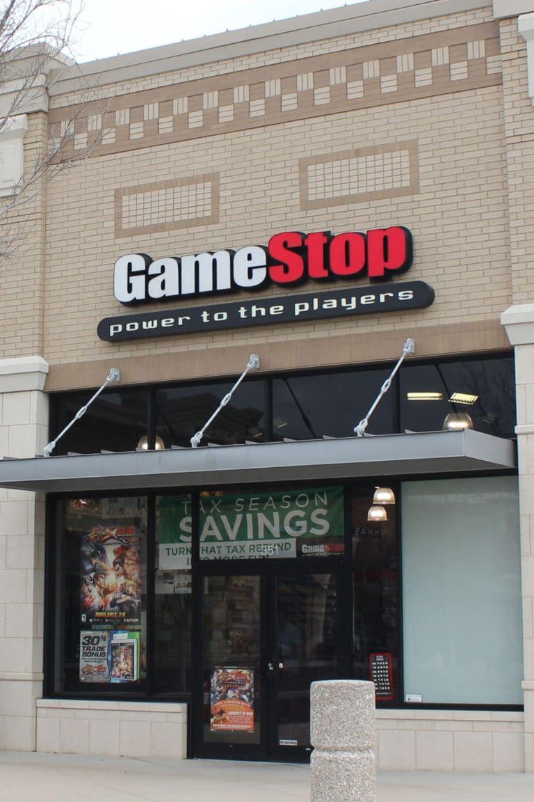 GameStop: Fiscal 2Q Earnings Snapshot