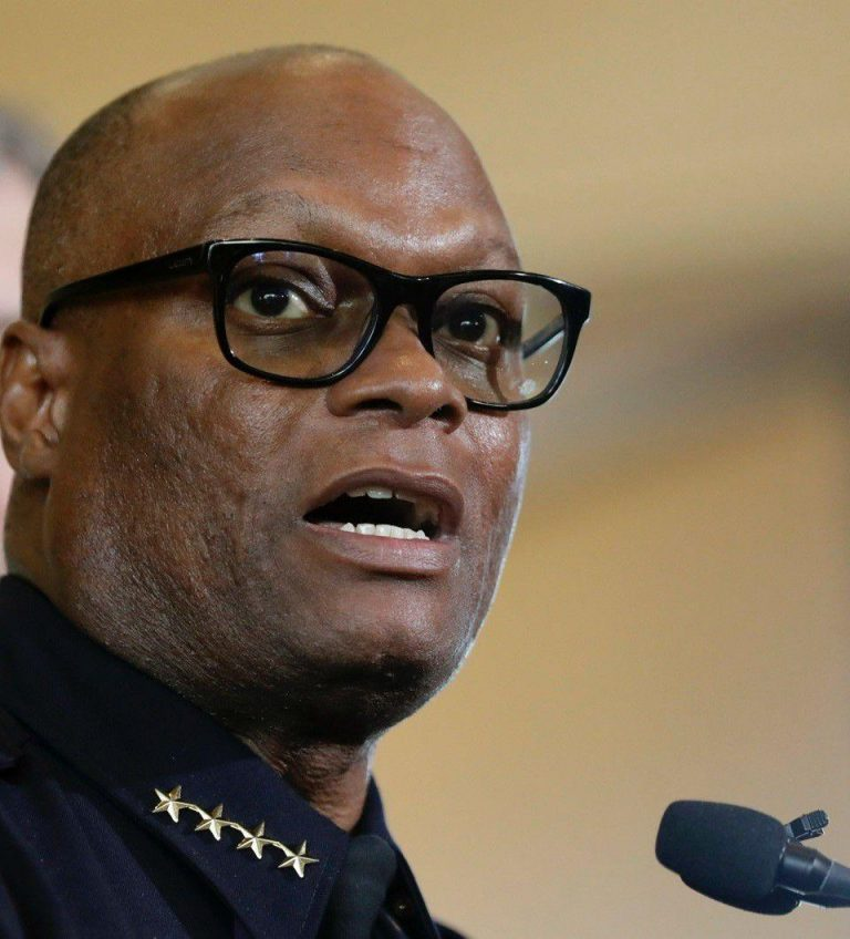 Ex-Dallas police chief now heads Chicago Police Department
