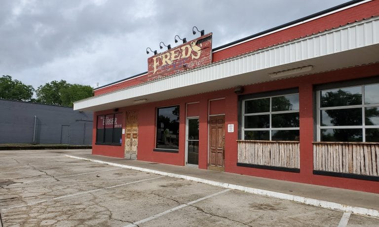 Bluebonnet Circle losing Fred's, Rusty Taco