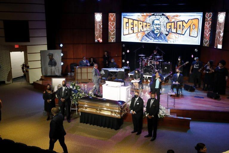 Celebrities, politicians flock to Floyd memorial service
