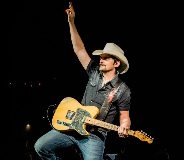 Brad Paisley, wife fight hunger with 1 million meal pledge