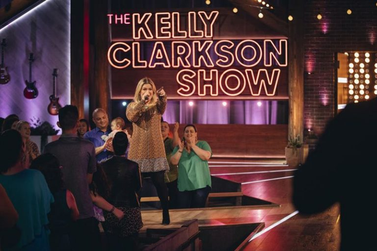 Kelly Clarkson seeks divorce from husband of nearly 7 years