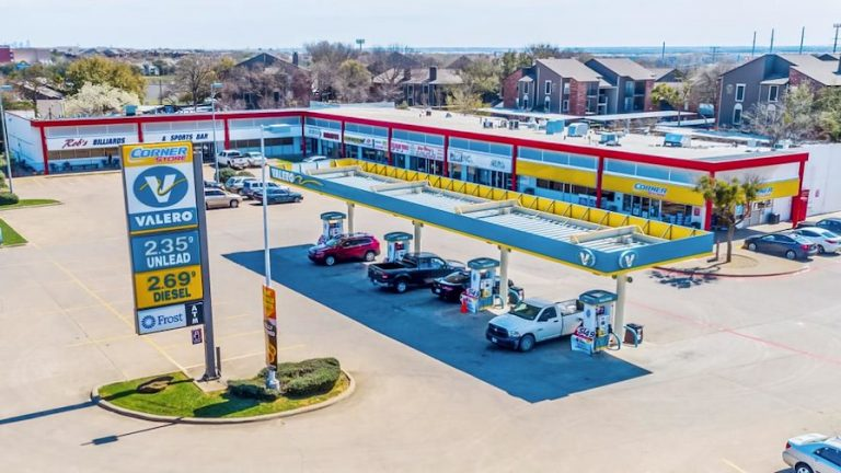 Euless shopping center sold