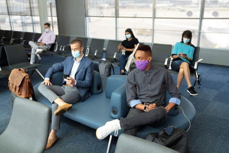 Southwest tightens face-mask rule, Delta steps up testing