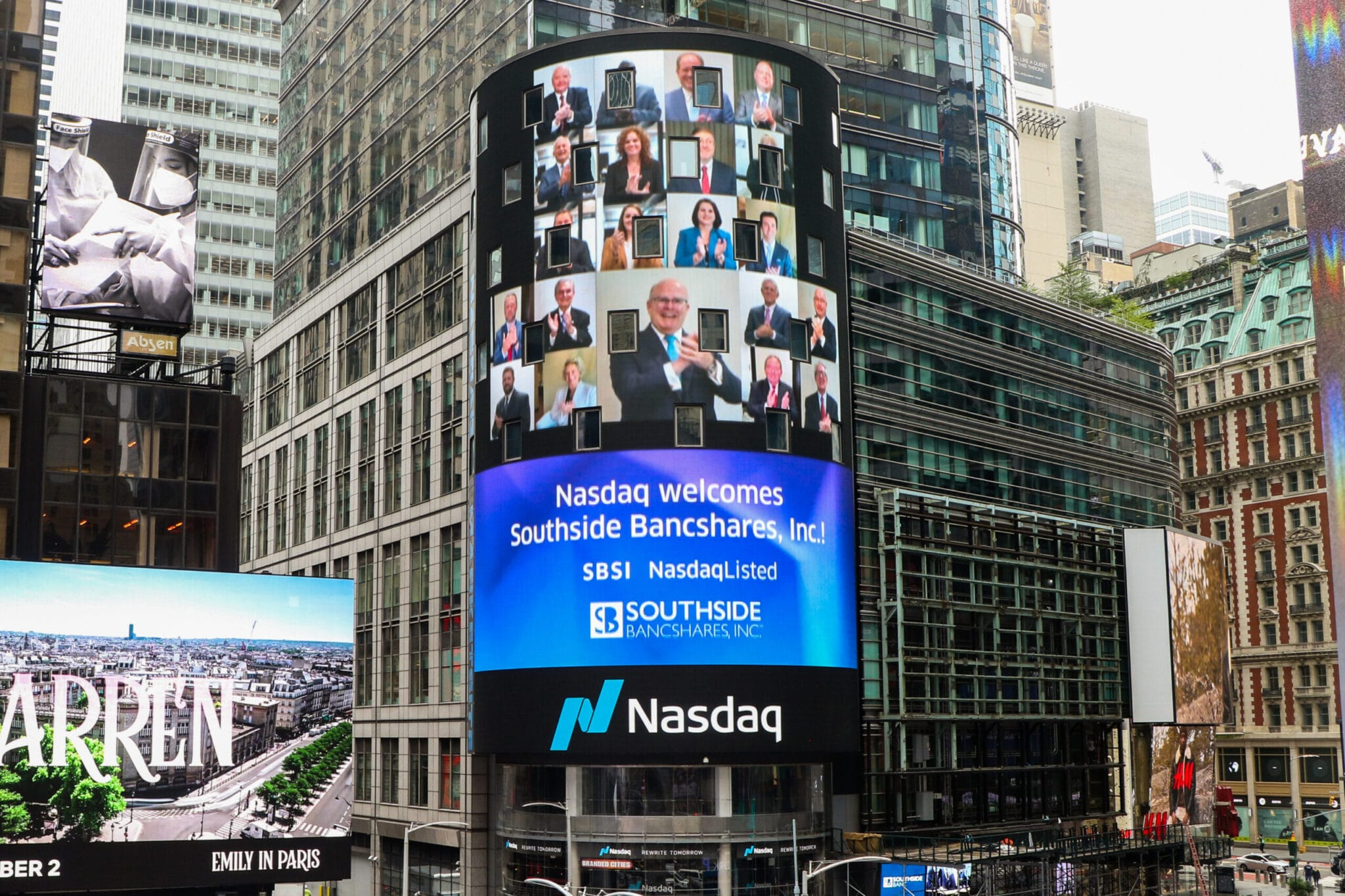 Southside Bancshares rings NASDAQ bell