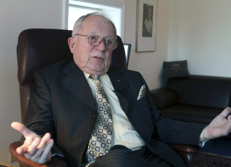 🔒 Richard Connor: F. Lee Bailey – good guy, great lawyer, complicated life