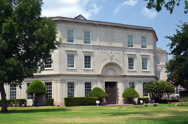 🔒 W.I. Cook Memorial Hospital building sells